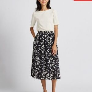 UNIQLO maxi skirt
